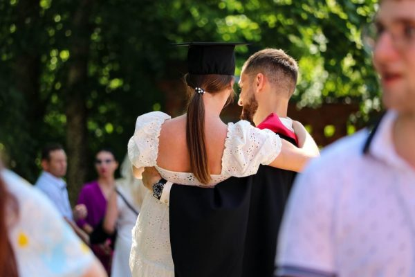Lietuvos-sporto-universiteto-diplomai-2-e1624281255234-600x400